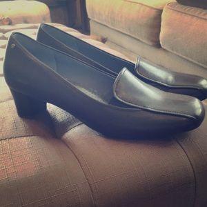 Rockport dynamic suspension black pumps/loafers